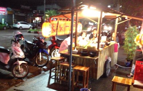 タイの屋台ラーメン